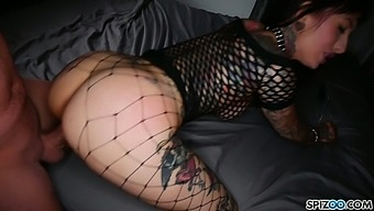 Sex-insane bitch in the cage Jessie Lee does everything her master desires