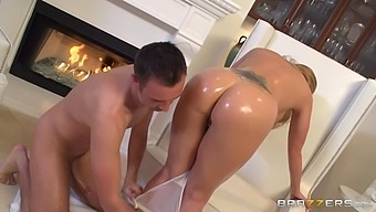 Hot ass blonde wife Holly Heart takes a long dick in her pussy