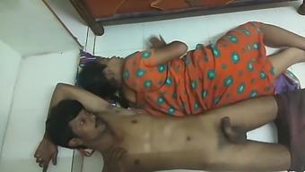 Desi Village Bhabhi Sex With Paint Wala