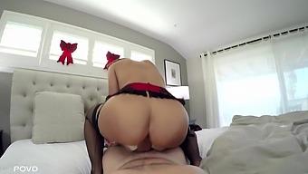 Lecherous milf with massive boobs Lisa Ann enjoys hardcore anal pounding