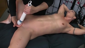 Fit Woman Gets Erotic Oil Massage and Fucked
