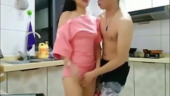 Chinese Amateur Blowjob and Fucking