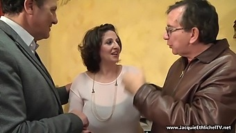 422 Naples: Romina en double penetration